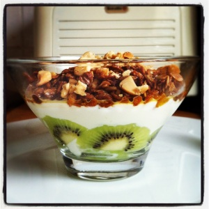 Homemade granola, yoghurt and fruit breakfast pot